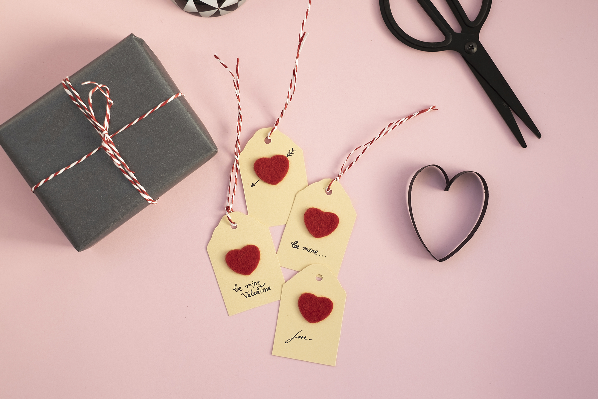 Love Heart Sand Romantic Personalised Valentine/'s Greetings Card