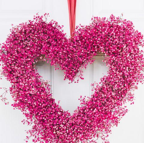 babys breath heart valentines day wreath