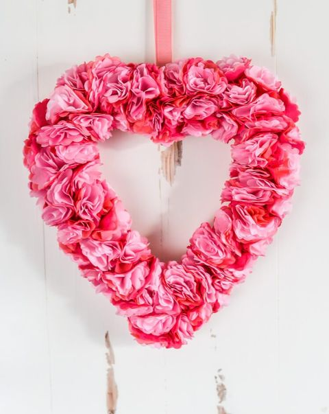 valentines day wreaths - tissue flowers
