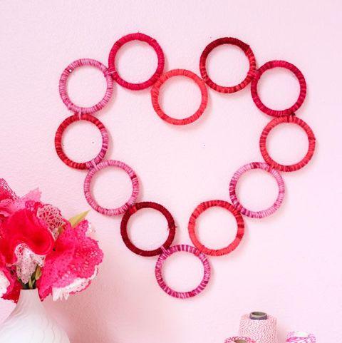 yarn heart valentines day wreath