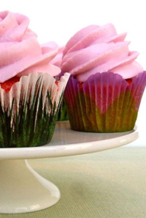valentinesdaycupcakerecipes-minipinkvelvetcupcakes-
