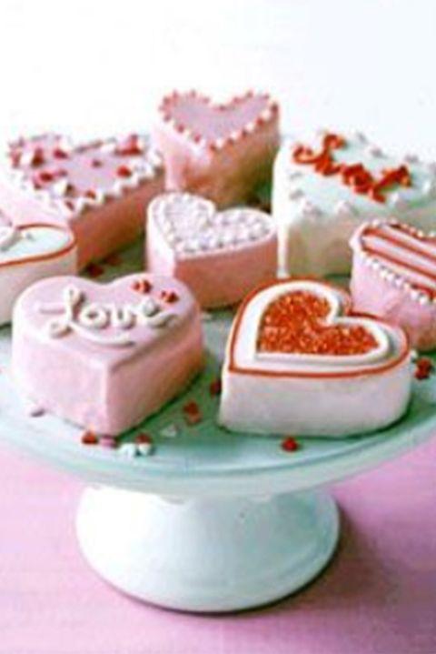 valentinesdaycupcakerecipes-nobakeminiheartcakes-