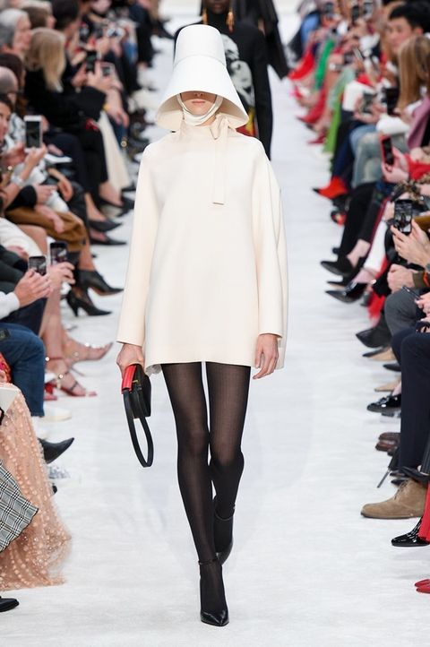 Fashion model, Fashion show, Fashion, Runway, Clothing, Street fashion, Joint, Footwear, Leg, Tights,
