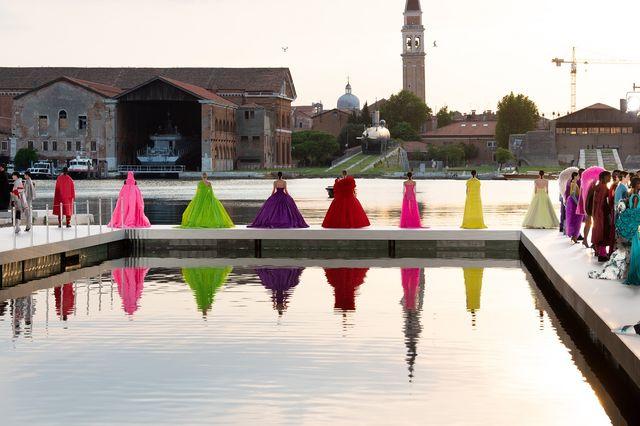 les ateliers, la collezione haute couture autunnoinverno 202122 di valentino a venezia