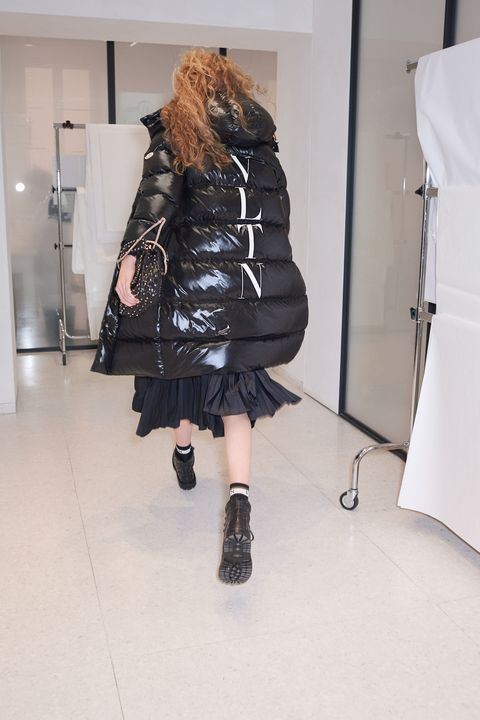 Black, Shoulder, Clothing, Fashion, Outerwear, Joint, Footwear, Fur, Leg, Dress,