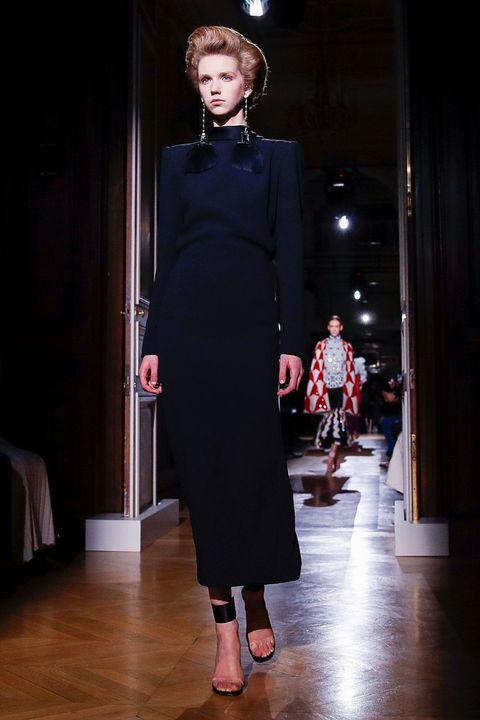 Fashion model, Fashion, Runway, Fashion show, Clothing, Haute couture, Dress, Fashion design, Event, Neck,
