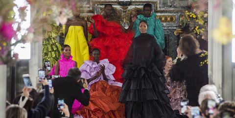 Fashion, Event, Temple, Tradition, Plant, Art, Bazaar, Tourism, Crowd,