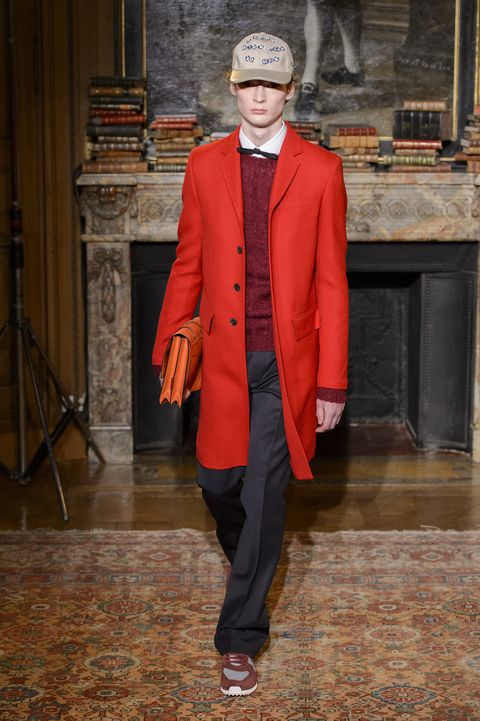 Clothing, Fashion, Outerwear, Suit, Coat, Overcoat, Blazer, Formal wear,