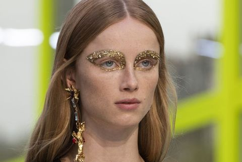 Face, Hair, Eyebrow, Forehead, Head, Beauty, Skin, Eyelash, Nose, Eye,