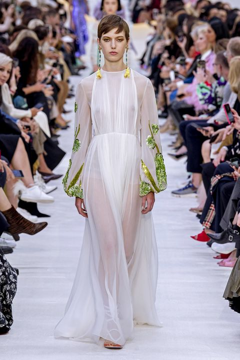 Fashion, Fashion model, Runway, Fashion show, Clothing, Haute couture, Shoulder, Event, Dress, Joint,