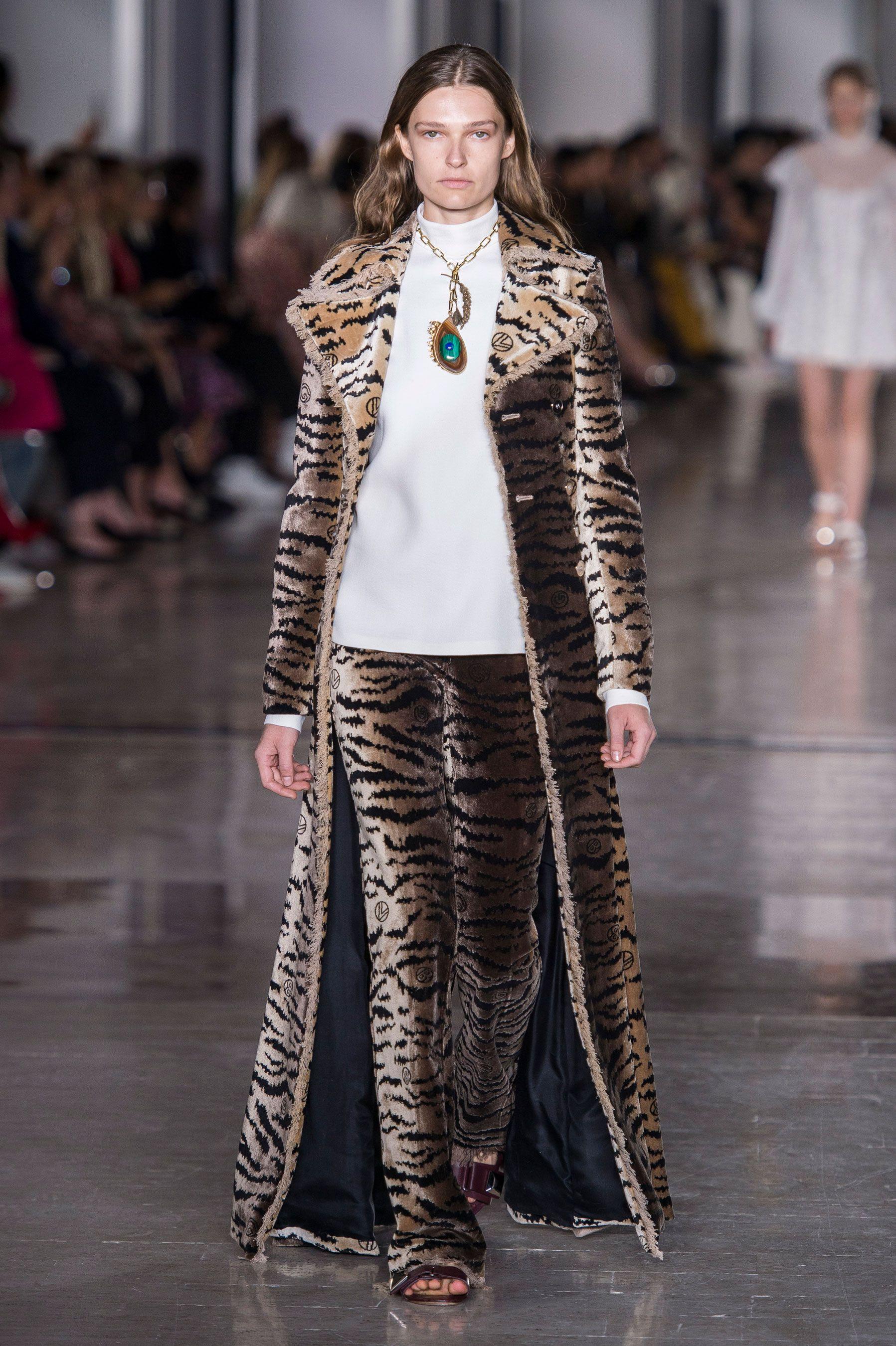 Giambattista Valli, Giambattista Valli Women SS 19, Paris fashion week, fashion week, primavera estate 2019, real time women SS 19
