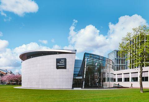 Van Gogh Museum, Museumplein in Amsterdam, Netherlands