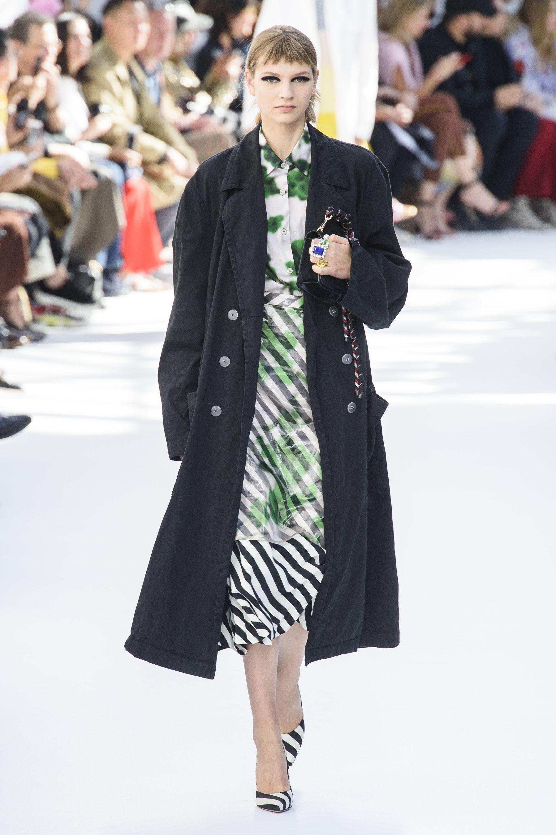 e37909f2b7 61 Best Looks from Dries Van Noten Spring 2019 - Dries Van Noten Runway  Looks Spring 2019 Paris Fashion Week