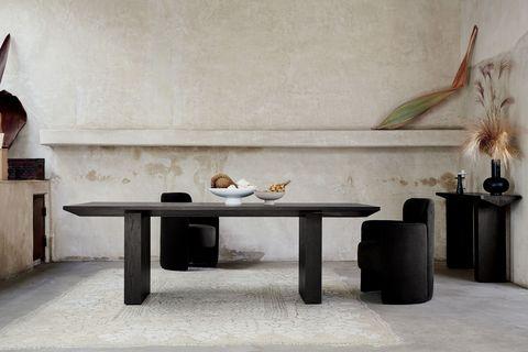 Furniture, Table, Coffee table, Room, Wall, Floor, Interior design, Tile, Flooring, Marble,