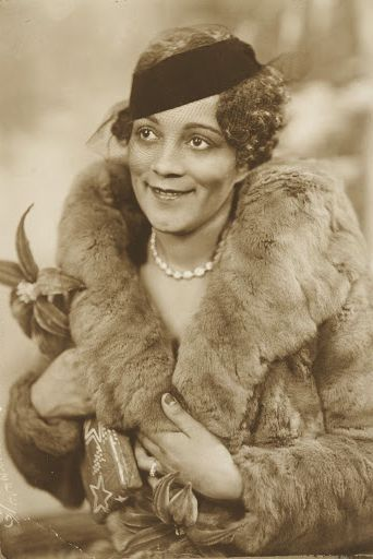 james van der zee, photography, 1935, black, lady