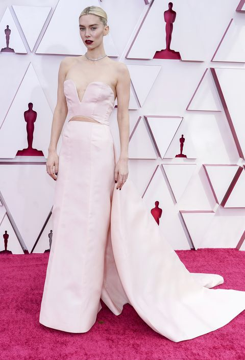 vanessa kirby at the 93rd annual academy awards  arrivals