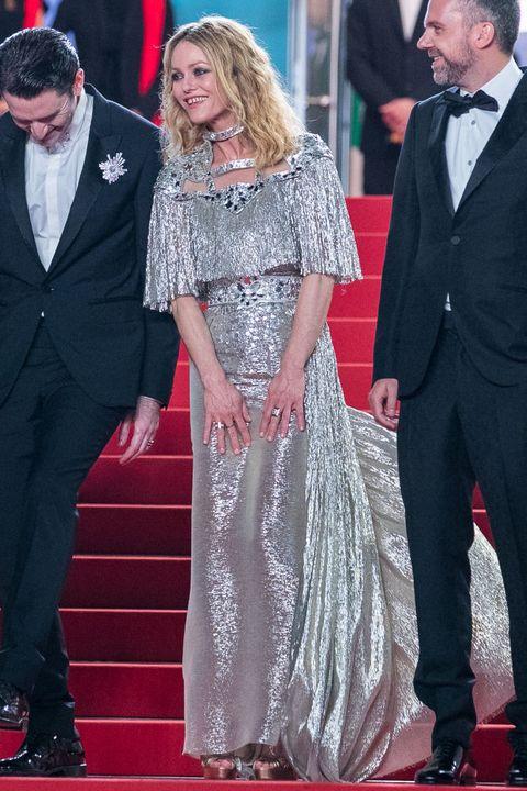 Red carpet, Carpet, Premiere, Dress, Event, Flooring, Suit, Formal wear, Gown, Ceremony,