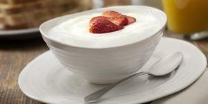 Vanilla Yogurt with Strawberry's