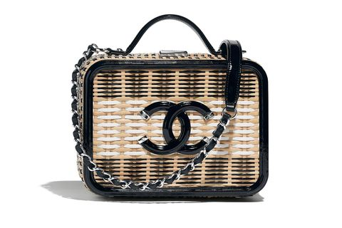 Bag, Handbag, Fashion accessory, Font, Material property, Beige, Luggage and bags, Basket,