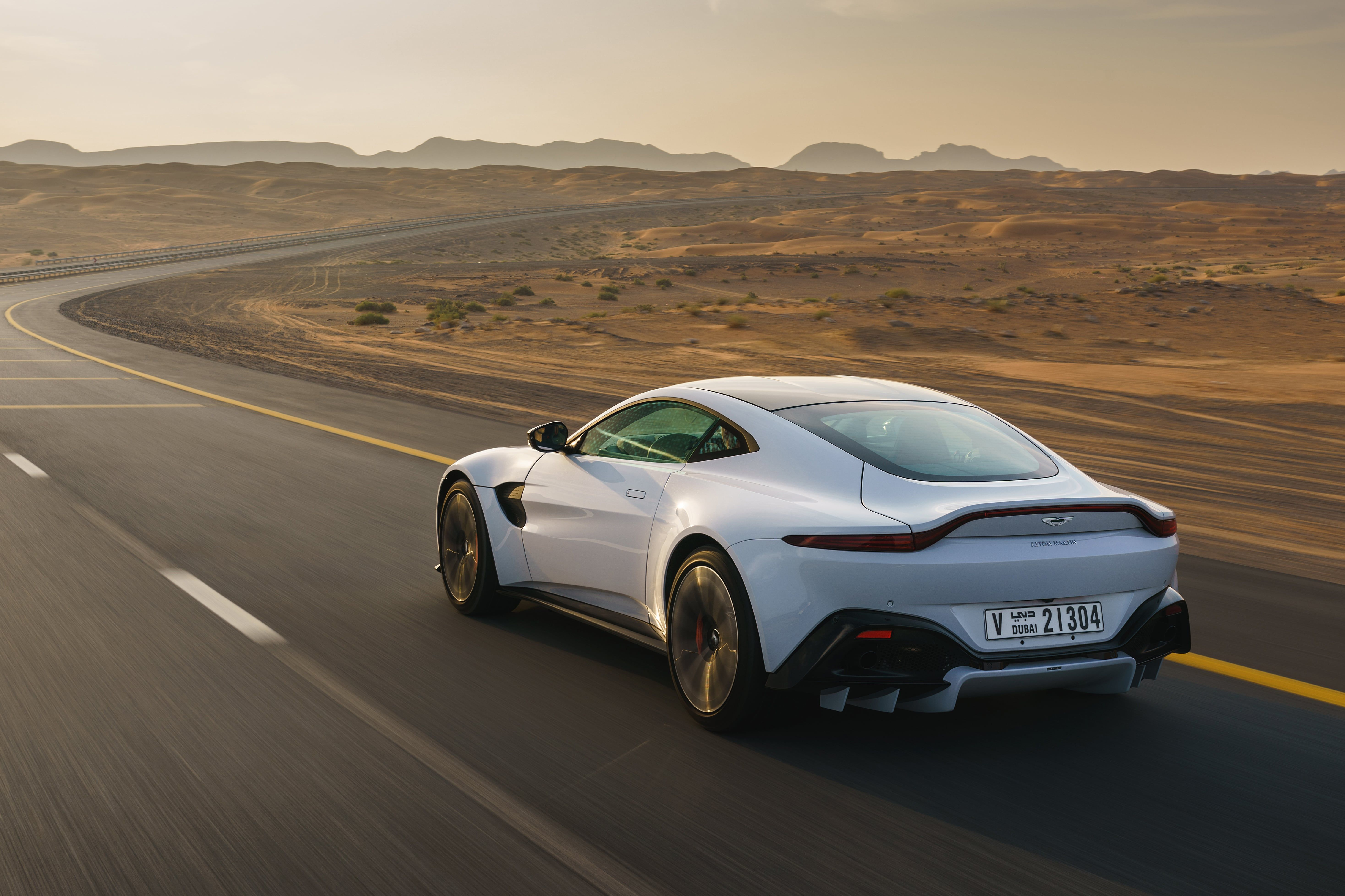 2020 Aston Martin Vantage Is The Best Of Both Worlds