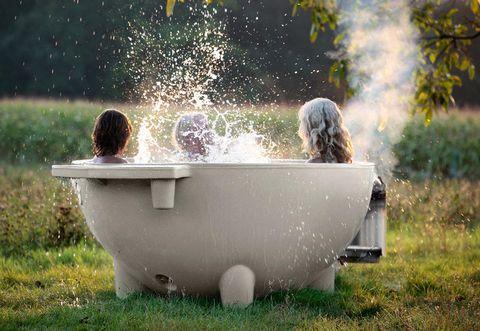 What Does Vasca Da Bagno Mean : Outdoor jacuzzi designed by floris schoonderbeek
