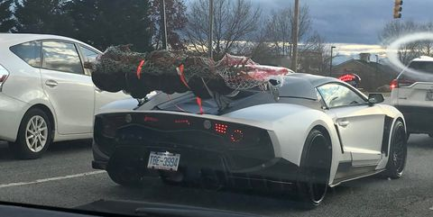 Put your Christmas tree on the rear wing