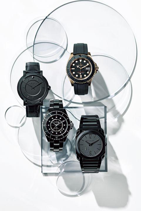 モードに決めたい日はコレ! 黒がスタイルの引き締め役になるクールな黒の腕時計4本