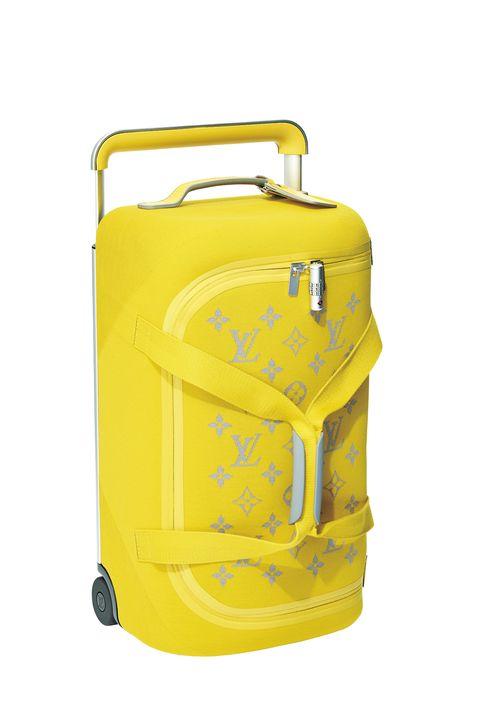 ルイ・ヴィトンの黄色いトローリー