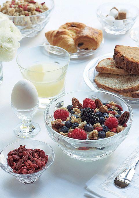 バカラの器を使った朝食