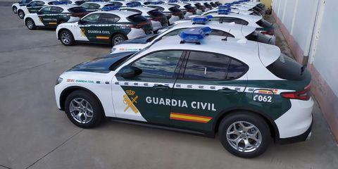 guardia civil coches patrulla