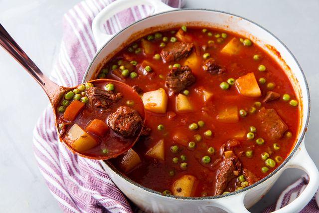 Vegetable beef stew horizontal