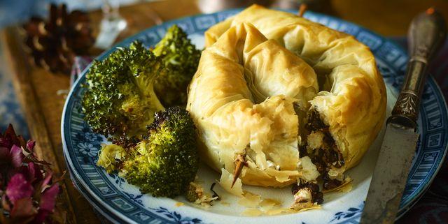Wild mushroom and lentil filo pie
