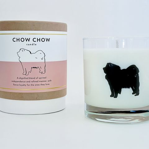 Vela aromática inspirada en la raza chow chow