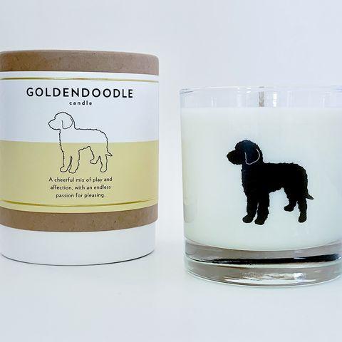 Vela aromática inspirada en la raza goldendoodle