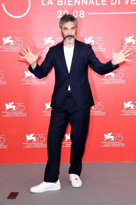 alfombra roja festival venecia 2018 hombres más elegantes