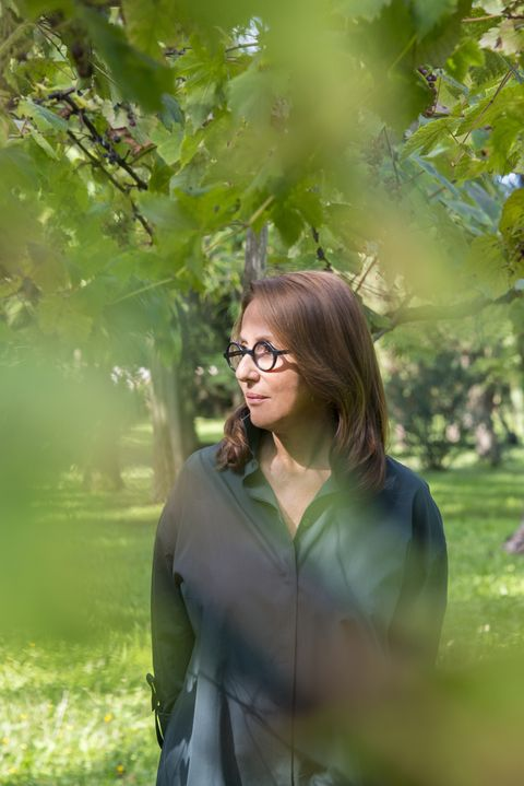Green, People in nature, Photograph, Nature, Facial expression, Leaf, Tree, Beauty, Smile, Glasses,