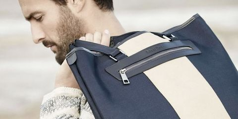 Shoulder, Product, Arm, Bag, Joint, Neck, Fashion accessory, Leather, Handbag, Luggage and bags,