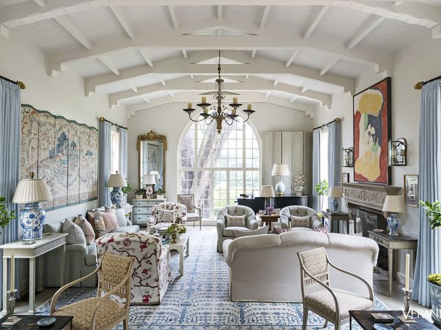 A Dallas Spanish Colonial Gets A Formal Makeover Colonial House Enchanting Dallas Home Design
