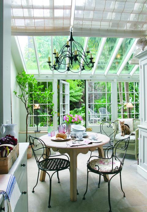 veranda-conservatory-outdoor-courtyard