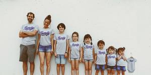La youtuber Verdeliss junto a su familia