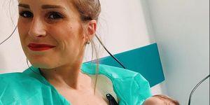La hija prematura de Verdeliss, la pequeña Miren, recibe el alta hospitalaria