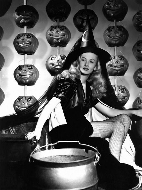 Vintage Halloween Outfit Ideas