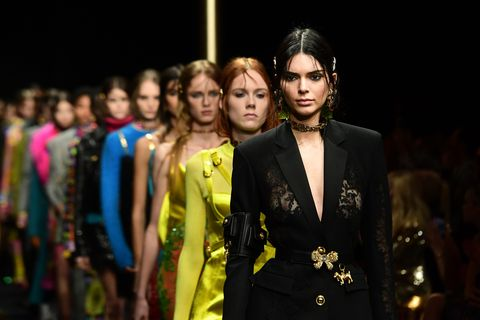 Versace apologises over China T-shirt row