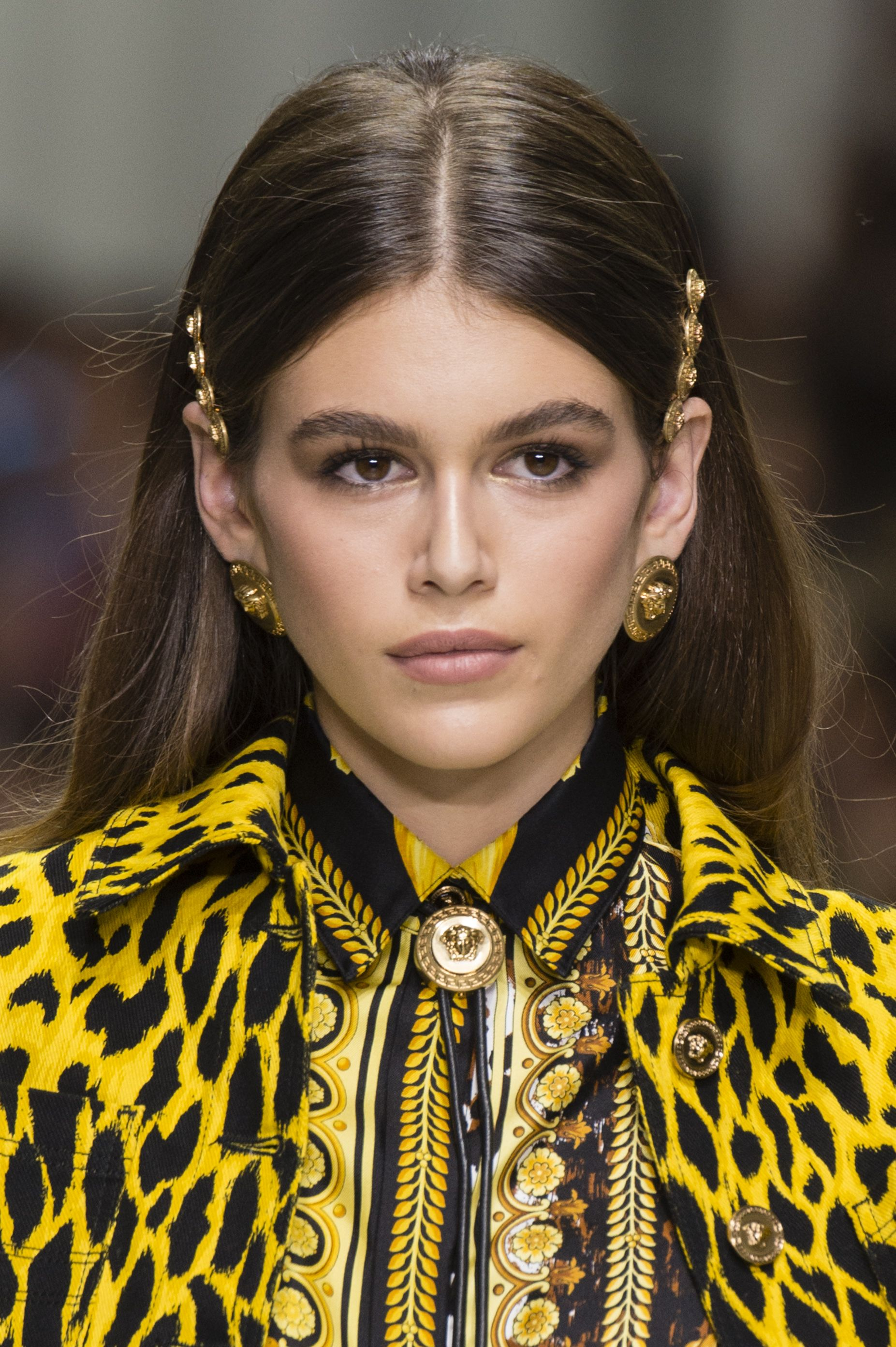 Trendy hairstyles for Spring-Summer 2015: Paris Fashion Week images