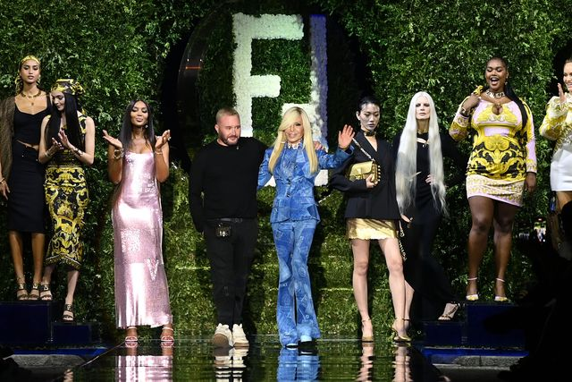 milan, italy   september 26 maria carla boscono, naomi campbell, fashion designer kim jones and donatella versace acknowledges the applause of the audience at the versace special event during the milan fashion week   spring  summer 2022 on september 26, 2021 in milan, italy photo by daniele venturellidaniele venturelli  getty images