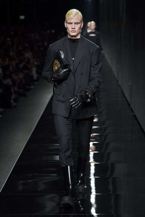Runway, Fashion, Fashion show, Fashion model, Outerwear, Fashion design, Haute couture, Event,