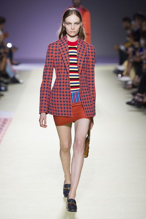 Fashion show, Fashion model, Fashion, Runway, Clothing, Public event, Fashion design, Tartan, Outerwear, Plaid,