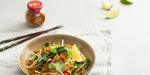 Food, Dish, Cuisine, Ingredient, Drunken noodles, Noodle, Pad thai, Produce, Chinese noodles, Fried noodles,