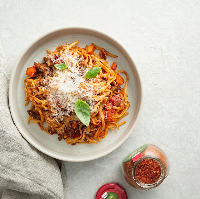 Food, Cuisine, Dish, Ingredient, Recipe, Produce, Italian food, Spaghetti, Bolognese sauce, Pancit,