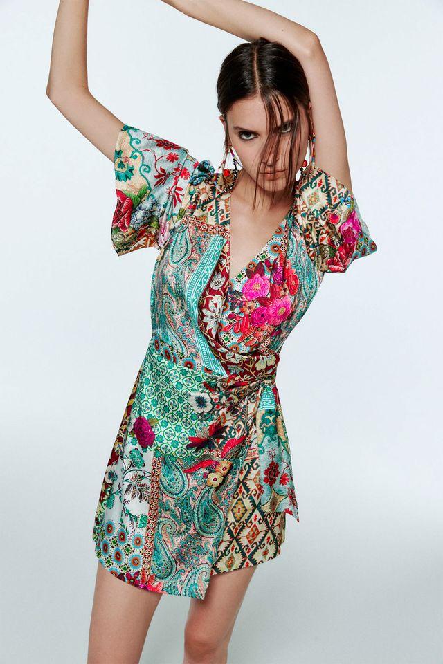 vestido corto estampado zara